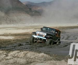 泥潭蛟龙 老款Jeep牧马人的泥地改装
