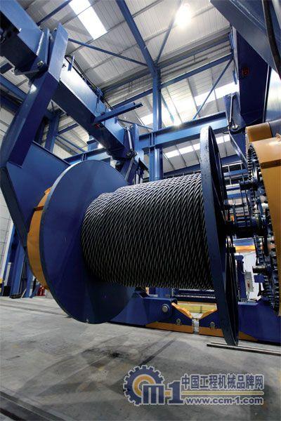 深海起重作业:Hydra钢丝绳发挥大作用