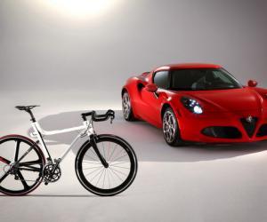 阿尔法·罗密欧推出碳纤维轻量自行车