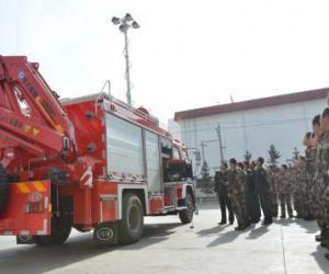 国产新型抢险消防车正式列装甘南消防