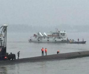 中国全力搜救长江沉船幸存者 美媒:舱内或有空气