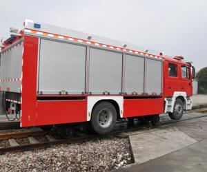 路轨两用消防车